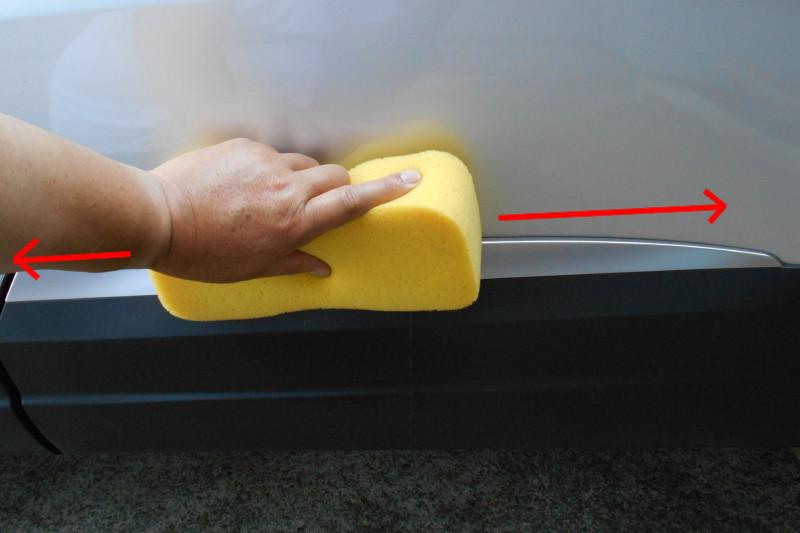 洗車時のスポンジ動かし方